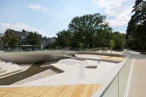 07-enota-promenada-03-river-amphitheatre